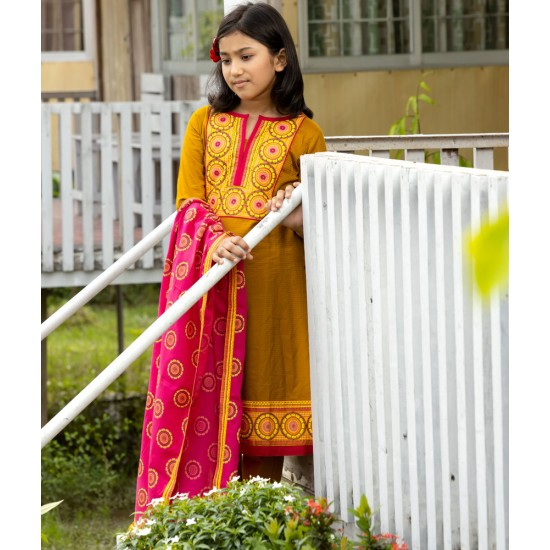 Girls Salwar kameez Orna-26168